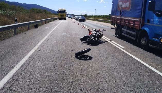 La motocicleta que es va veure involucrada en l'accident.