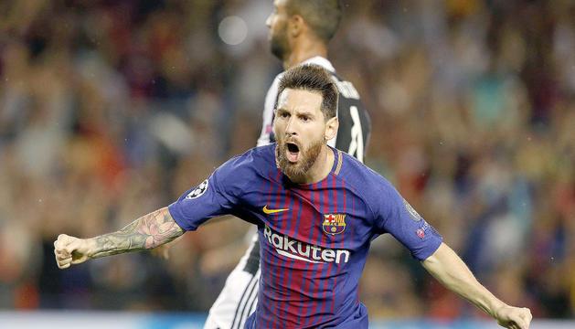 Leo Messi celebrant un dels gols marcats ahir.