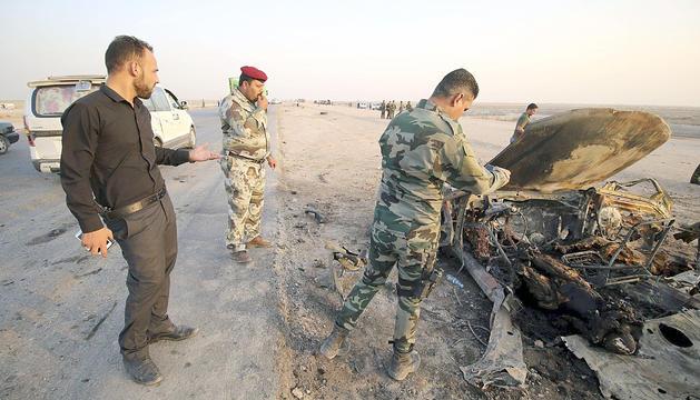 Estat en què va quedar el cotxe després de l'explosió.