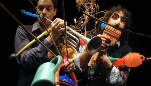 Imatge de l'espectacle 'Tot bufant'.