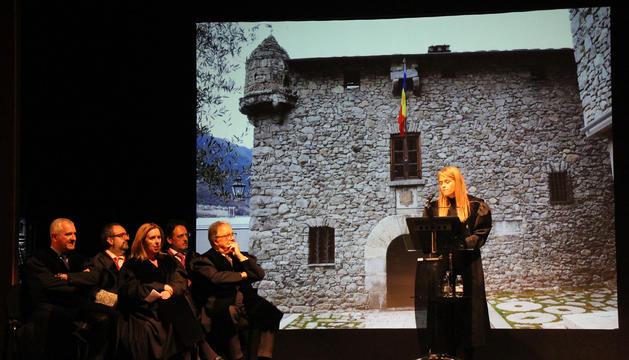 La degana del Col·legi d'Advocats, Sophie Bellocq, durant la seva intervenció en la cerimònia de la toga.