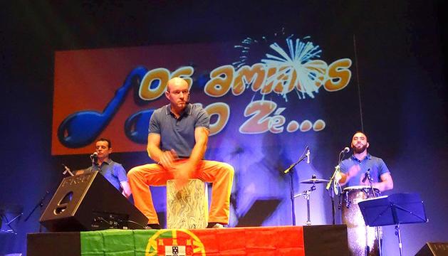 Os Amigos do Zé protagonitzen el concert d'aquesta nit.
