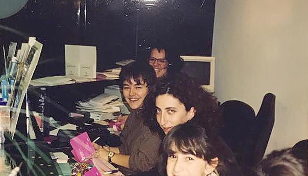 L'equip, el 1994: Elisabeth Gil, Irina Robles, Olga Àlvarez, Canòlich Ribot i Teresa Areny.