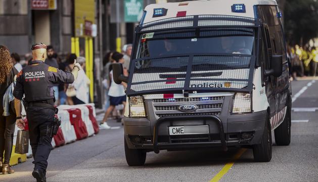 La conselleria d'Interior perd el control dels mossos d'esquadra.