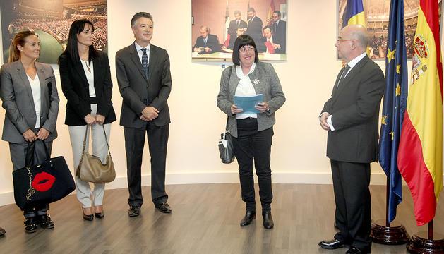 La ministra de Cultura, els síndics, la presidenta de la SAC i l'ambaixador d'Espanya a l'acte d'ahir.