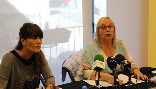 Montse Cobo i Paqui Barbero van presentar l'acte.