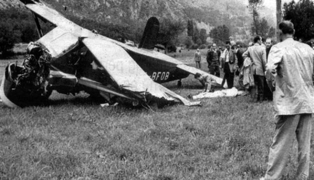L'avioneta després d'estavellar-se.