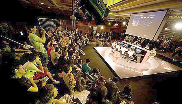 Les competicions de videojocs són seguides pel públic.