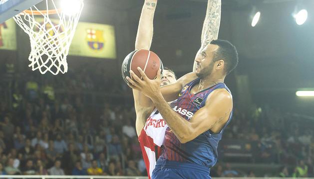 El nou fitxatge estrella del Barça, Adam Hanga, ahir al Palau.
