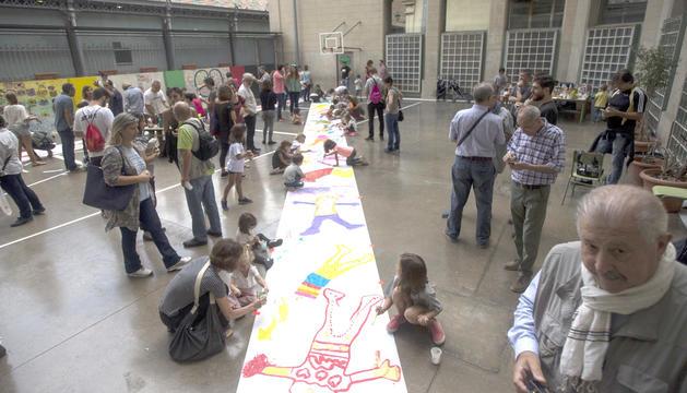 Professors i pares van organitzar diverses activitats a les escoles per evitar-ne el tancament.