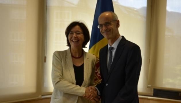 El cap de Govern, Toni Martí, amb la presidenta de l'OSCE AP, Christine Muttonen, durant la reunió que han mantingut.