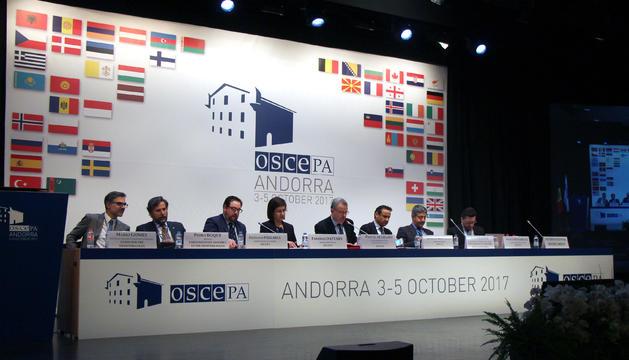 Els parlamentaris participants al fòrum sobre el Mediterrani de l'OSCE-PA.