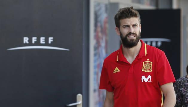Gerard Piqué, ahir en la concentració amb la selecció espanyola.