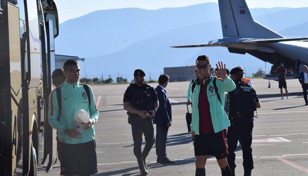 Cristiano Ronaldo, amb Pepe, a l'aeroport d'Andorra La Seu