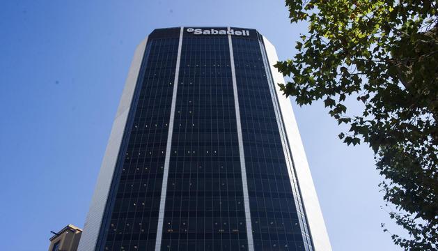 L'edifici corporatiu de Banc Sabadell a Barcelona, a la cruïlla de Balmes amb Diagonal.