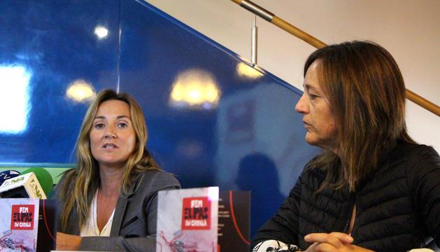 La ministra de Cultura, Joventut i Esports, Olga Gelabert, i la cònsol menor d'Encamp, Esther París, durant la roda de premsa.