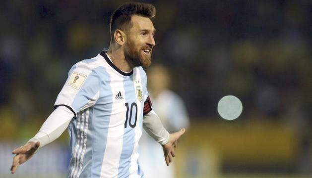 Lionel Messi celebrant un dels gols de la matinada d'ahir.