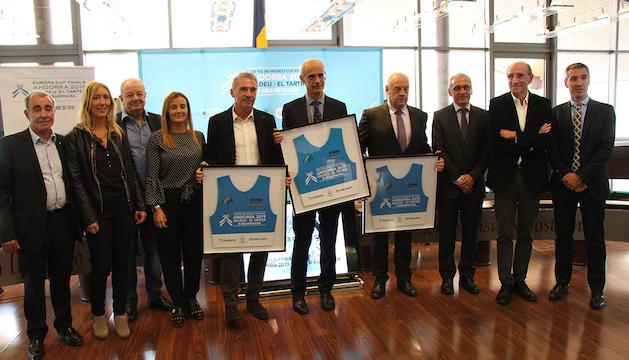Els membres del comitè d'honor de les finals de la Copa del Món 2019, encapçalats pel cap de Govern, Toni Martí.