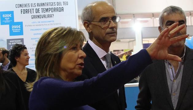 La cònsol major d'Andorra la Vella, Conxita Marsol, conversa amb el cap de Govern, Toni Martí, en el marc de la inauguració de la Fira d'Andorra la Vella.