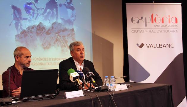 l coordinador de Firesport, Eugeni de Santiago, i el conseller d'Obres i Urbanisme del comú de Sant Julià, Joan Vidal, presenten l'esdeveniment.