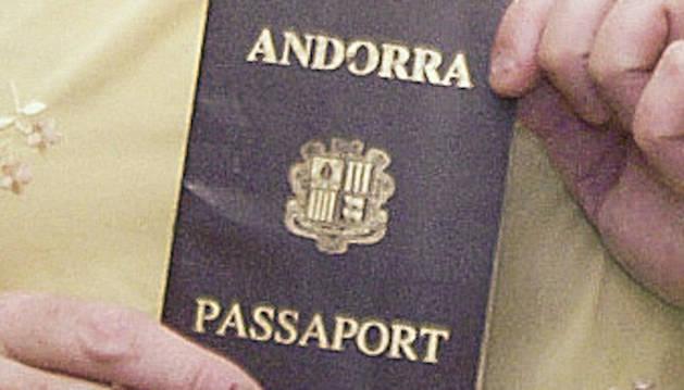 Un passaport andorrà.