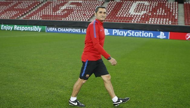 Ernesto Valverde, a l'estadi Georgios Karaiskakis.