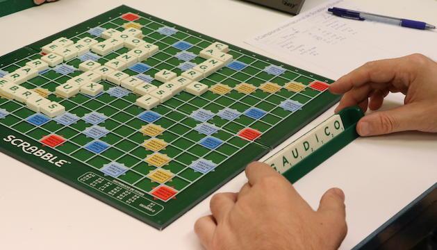 Una partida d'Scrabble