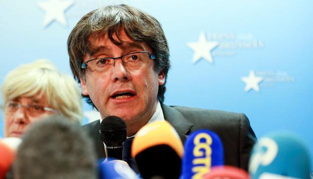 Carles Puigdemont, durant la roda de premsa, ahir a Brussel·les.