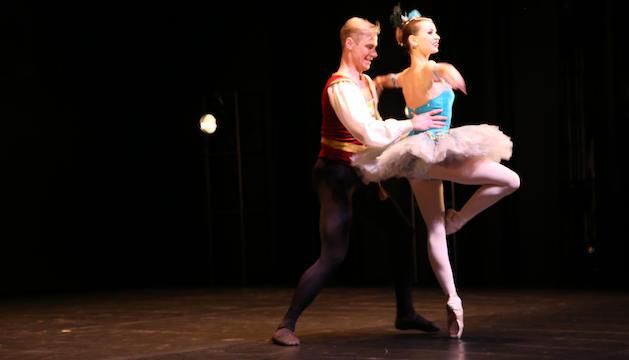 Julia Makhalina, 'prima ballerina' de l'espectacle.