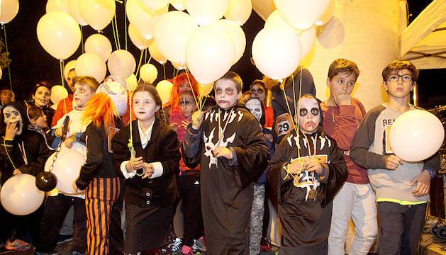 Uns 400 participants a la 1.069 metres de Halloween
