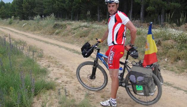 Robert Ambatlle va fer el camí de Santiago en bici.