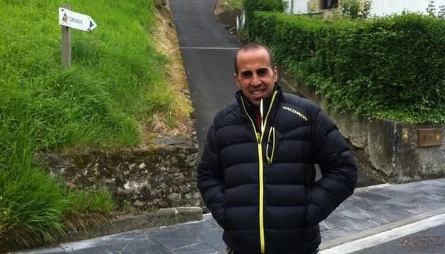 Marc Casal gestiona un hotel amb la seva família