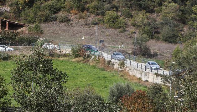 Vehicles utilitzant el camí d'Anserall.