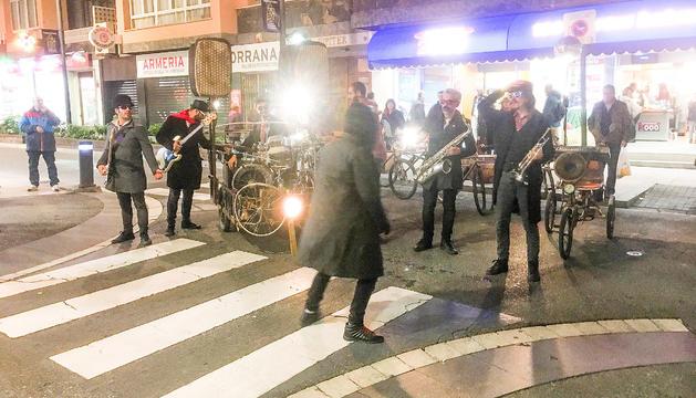 La Dinamo porta música en bicicleta pels carrers