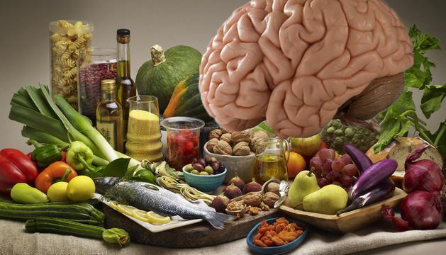 Aliments com el peix blau o els fruits secs són beneficiosos per al cervell.