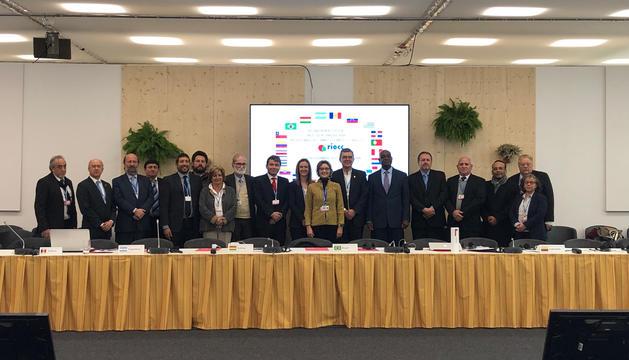Foto de família de la conferència internacional.