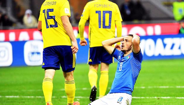 Florenzi es lamenta al final del partit contra Suècia.