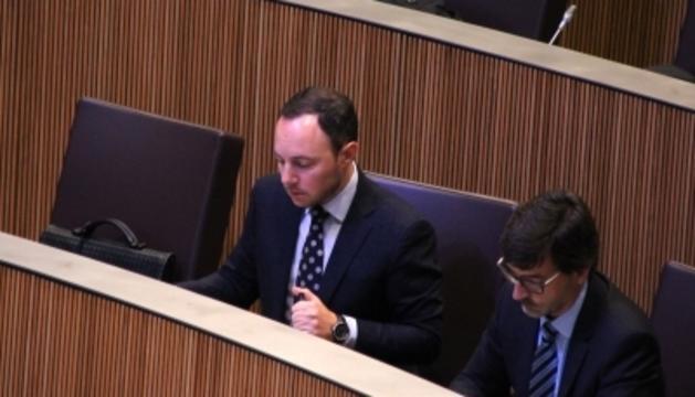 El ministre d'Afers Socials, Justícia i Interior, Xavier Espot, durant la sessió de preguntes que ha tingut lloc aquest dijous al Consell General.