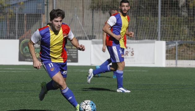 El jugador del Futbol Club Andorra, Jordi Betriu, aquest curs a la Borda Mateu.