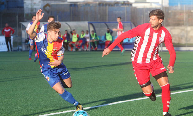 Un partit del Futbol Club Andorra aquesta temporada a la Borda Mateu.