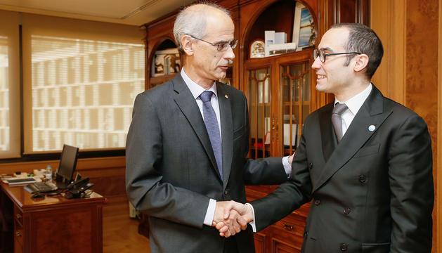 Martí es va trobar ahir amb Nicola Renzi.