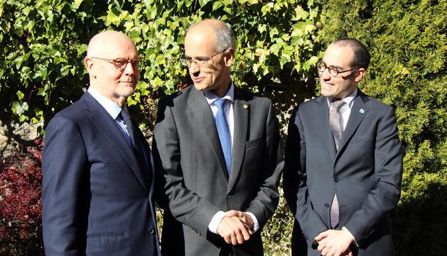 El ministre d'Estat de Mònaco, Serge Telle; el cap de Govern, Toni Martí; i el secretari d'Afers Exteriors, d'Afers Polítics i de la Justícia de San Marino, Nicola Renzi, en acabar la jornada de reunions.