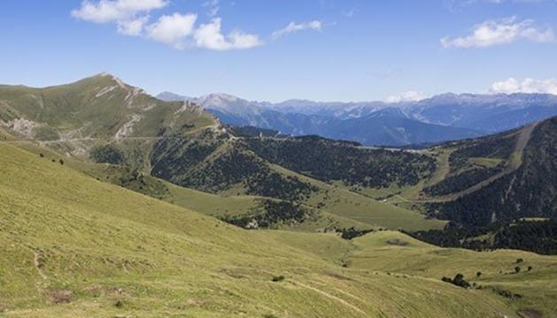 7. Passejar per la muntanya i vora el mar em serveix per assossegar la ment i l'esperit.