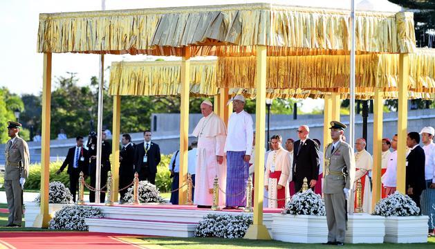 El Papa Francesc, en un moment de la visita a Myanmar.