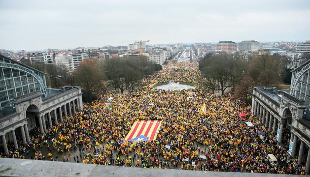 Un moment de la manifestació independentista, ahir a Brussel·les.
