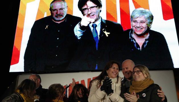 Puigdemont va participar als mítings per videoconferència.