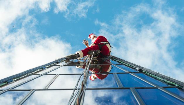 El Pare Noel a la façana.