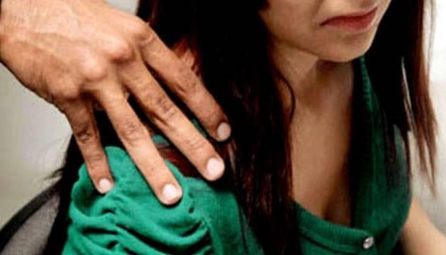 Les donen denuncien tractaments vexatoris i abusos en situacions professionals.