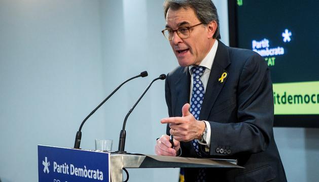Artur Mas, durant la roda de premsa a la seu del PDeCAT, ahir.