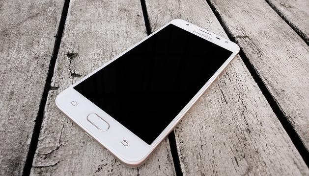 Malauradament, utilitzo molt el mòbil per estar present a les xarxes socials